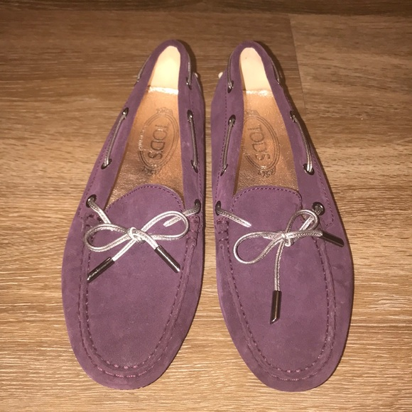 cc9d66b85c8 Tod s Purple Suede Gommino Loafers. M 5a57f531daa8f6d91de3c1b7